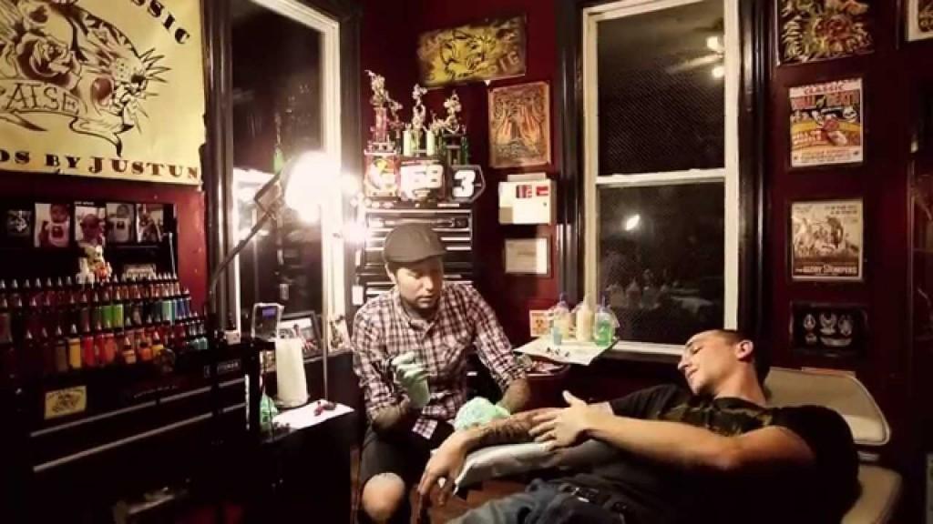 061 tattoo studio faa321.jpg